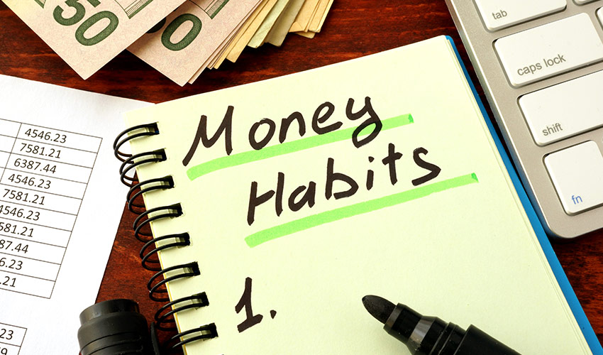 4 money habits every woman should adopt